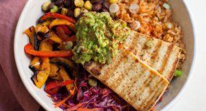 Tazón de Arroz y Tofu a la Parrilla al Estilo Mexicano